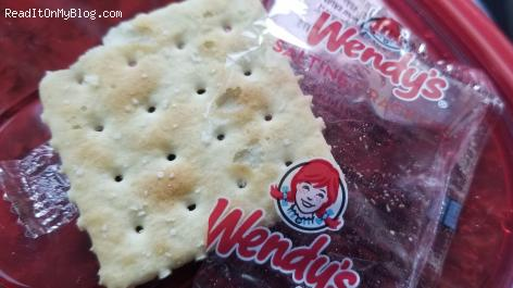 How many calories in Wendy's saltine crackers?